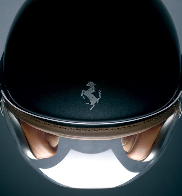 Ferrari-Helmet-Style-for-Luxe-Protection-3
