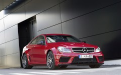 Great-Commercial-for-the-2012-C63-AMG-Black-Series