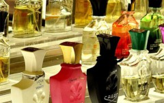 creed-fragrance-counter-at-harrods-department-store_550_x_523