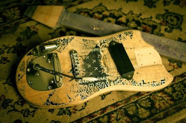 skate_guitar01-650x433