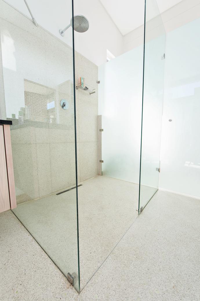 Bathroom-2-Day-Light-