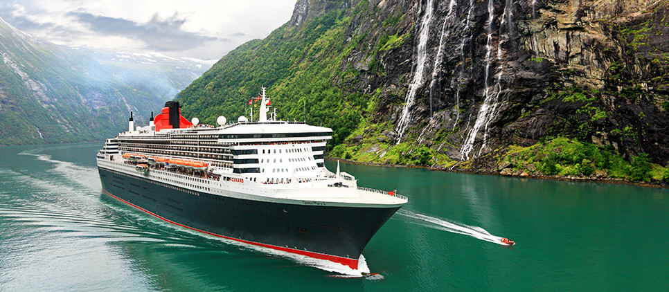 QM2_in_Fjords