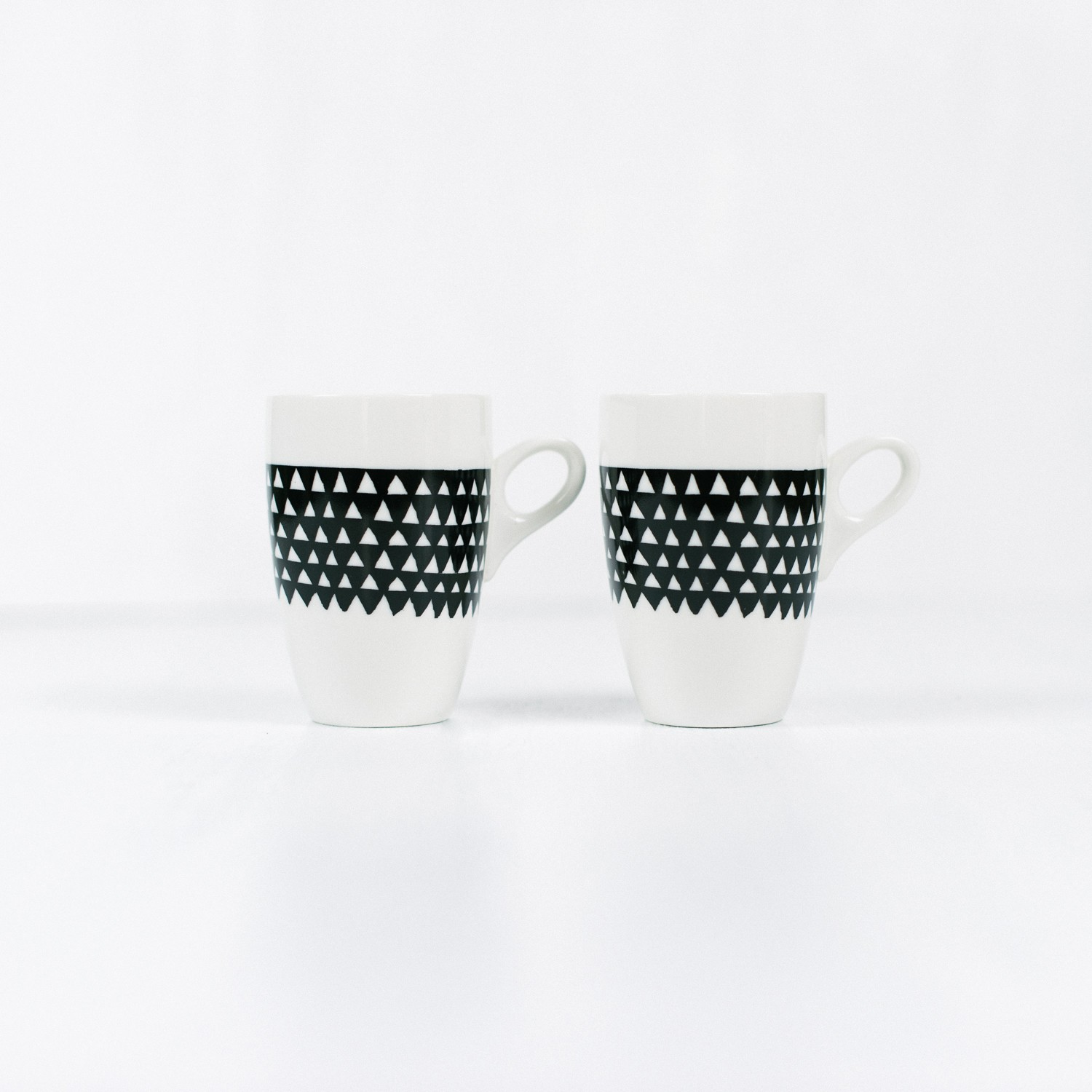 mugs-triangle-set-of-2