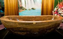 The-First-Luxury-Bathtub-Made-of-Healing-Gemstones-1.74M-1
