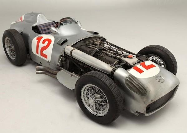 1954-Mercedes-Benz-W196R-Formula-1-2
